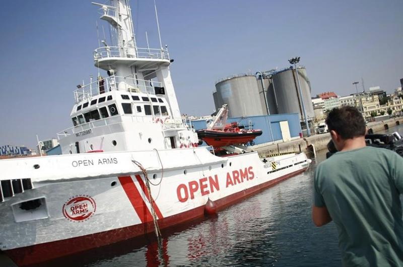 Confisca Italia barco de ONG española por fomentar inmigración ilegal