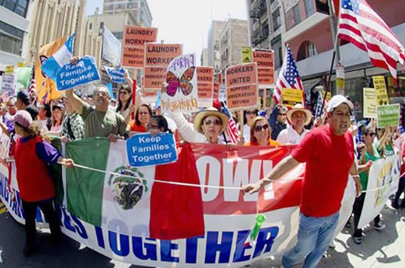 Valores proinmigrantes de California son amenazados por gobierno de EUA