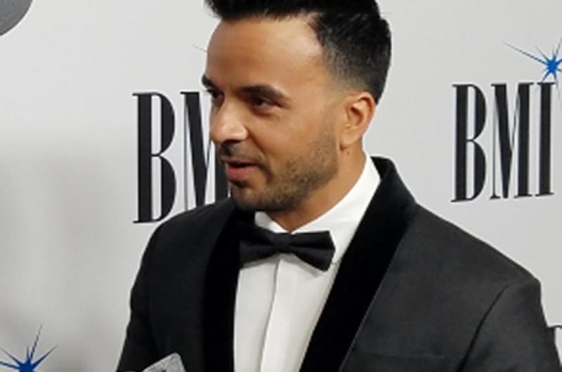 Luis Fonsi obtuvo premio BMI Latino