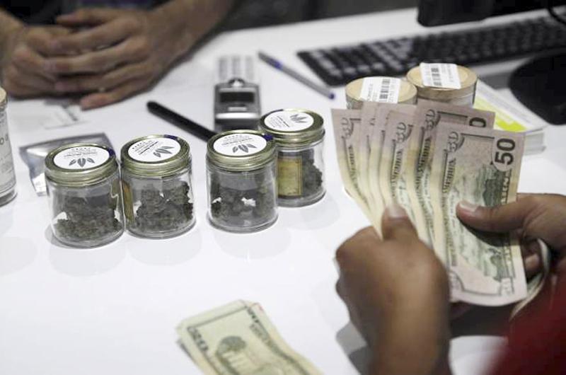 """Dispensarios en LV tuvieron ofertas para la marihuana el """"Black Friday"""""""