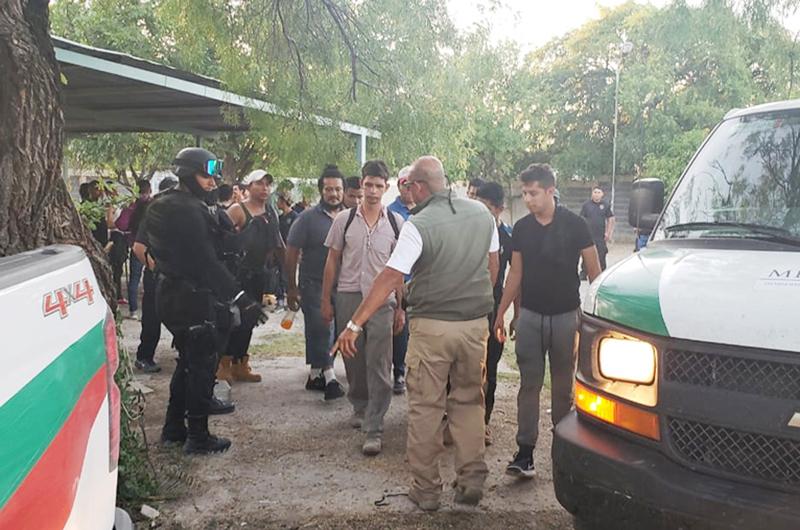 Rescataron a 65 migrantes en el municipio de Piedras Negras
