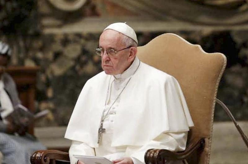 """Papa fustiga a políticos  anti-inmigrantes """"siembran violencia"""""""