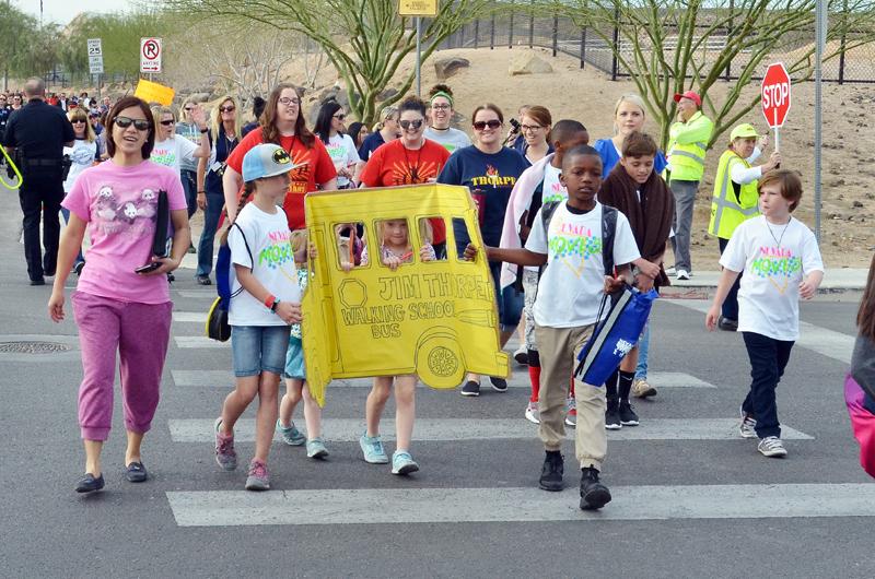 """Participaron más de 50 escuelas del CCSD en el """"Día de Moverse en Nevada"""""""