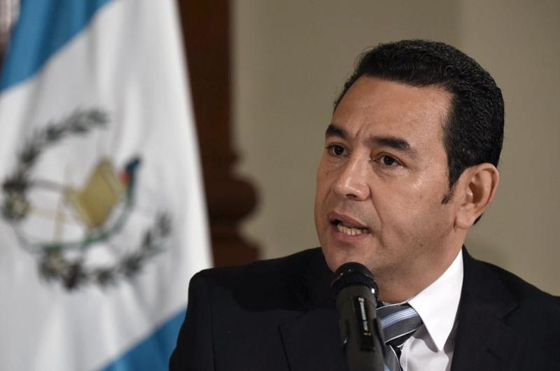 Presidente de Guatemala llega a Israel para abrir embajada en Jerusalén