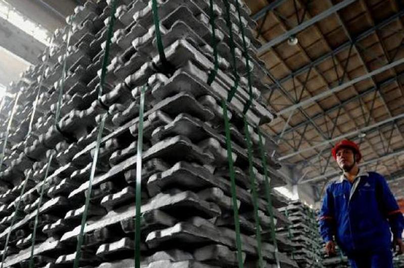 EUA impone aranceles a compra de acero y aluminio de México, Canadá y UE