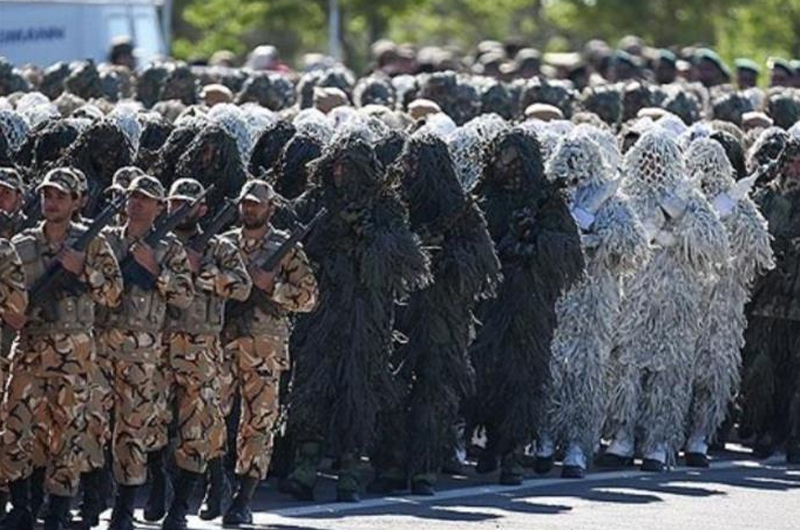 Irán exhibe poderío militar en desfile por Día del Ejército