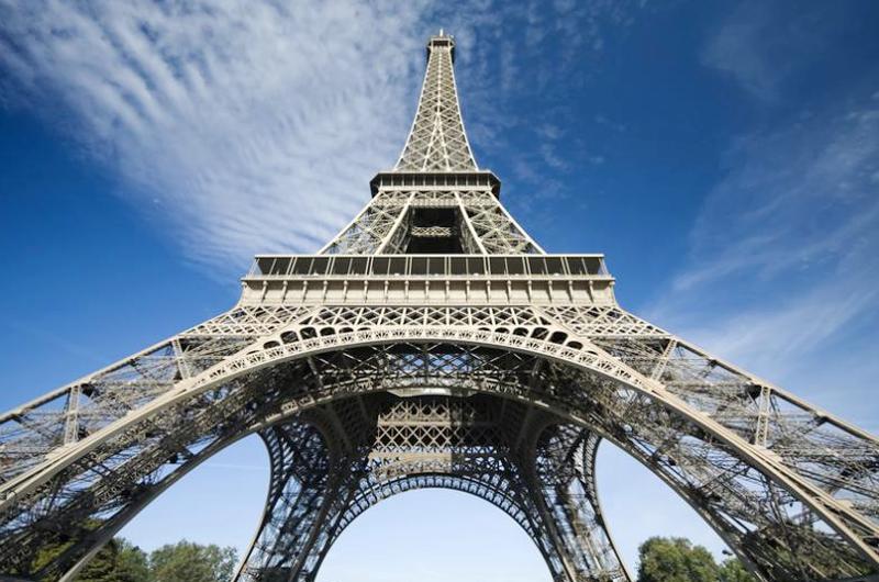 Torre Eiffel apagará sus luces por ataque en Las Vegas