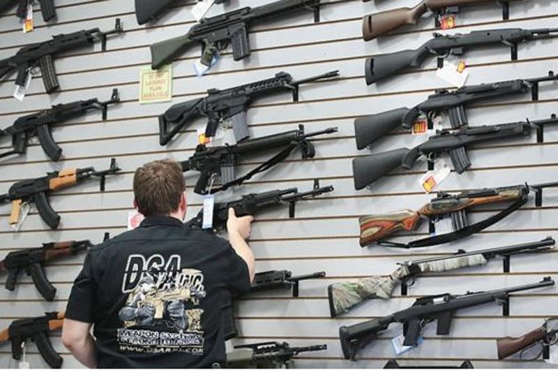 Desestiman republicanos debate de nuevas leyes sobre armas en Estados Unidos