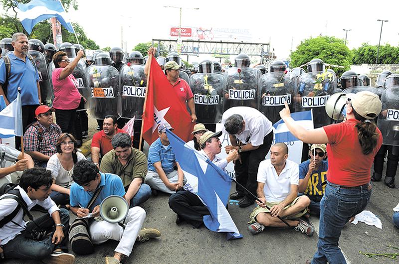 Othon Molina: Más apegados a la comunidad