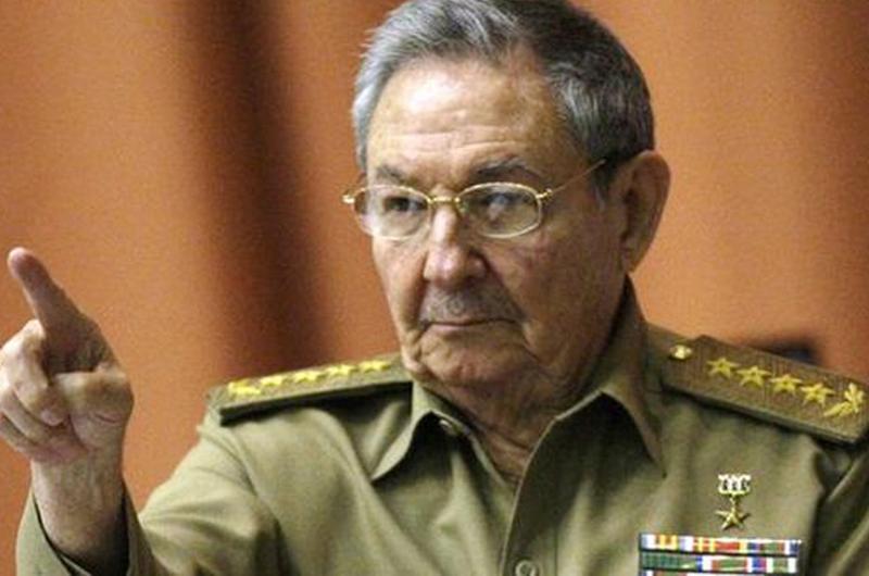 Poco o nada cambiará relación EUA-Cuba con salida del poder de Castro