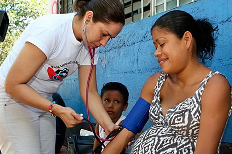 Presentan nuevo modelo de atención médica familiar privado