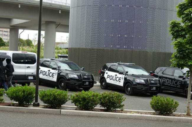 Policías de Los Ángeles no serán agentes migratorios, reitera alcalde