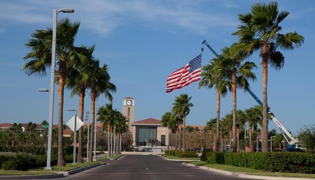 Procurador de EUA reitera cese de fondos federales a ciudades santuario