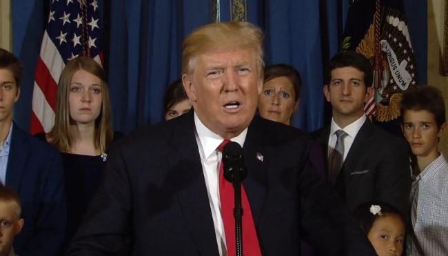Piden a Trump preservar blindaje para 800 mil jóvenes indocumentados