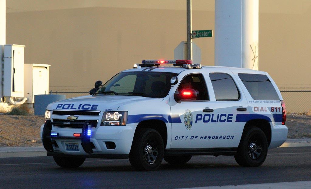 La policía de Henderson Alertan a residentes sobre estafa que ofrece trabajo
