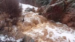 Mueren siete personas arrastradas por corriente de agua en Arizona