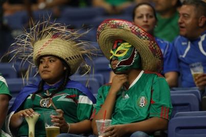 Con deslucido triunfo sobre Curazao, México amarra primer lugar de grupo en Copa Oro