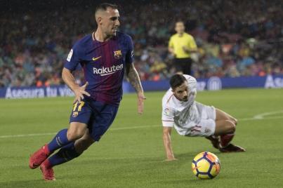 Barcelona supera 2-1 a Sevilla con algunos apuros en liga de España