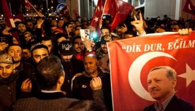 Cientos protestan en Turquía contra gobierno de Holanda