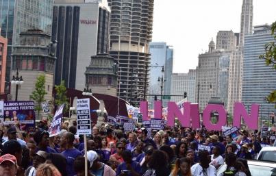 Marchan sindicatos en Los Ángeles por Día del Trabajo en EUA