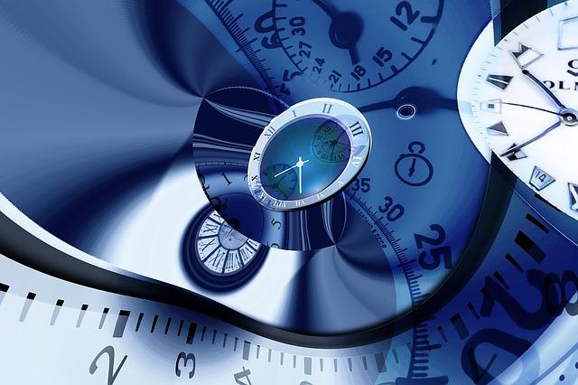 Matemáticamente posible viajar en el tiempo, afirma investigadora